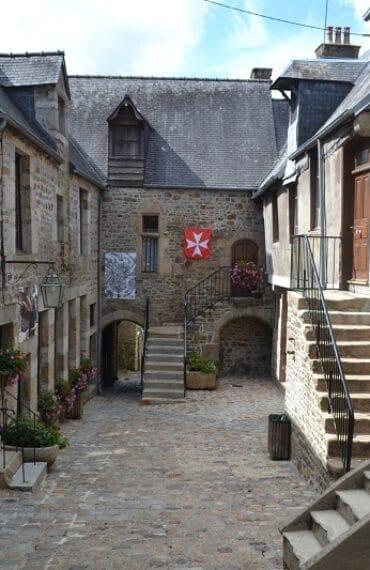 Centre ville de Villedieu-les-Poêles